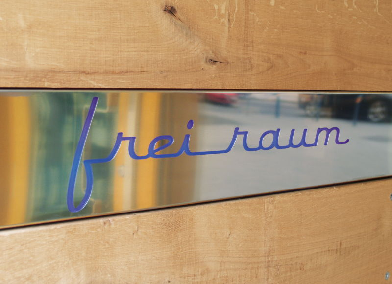 DASUNO - Nora Sri Jascha // Client: Freiraum // 2008